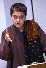 spivak in other worlds essays in cultural politics In other worlds: essays in cultural politics 3 likes in this classic work, gayatri chakravorty spivak, one of the leading and most influential cultural.