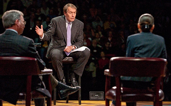 Moderator Charlie Rose questioned the panel at the Roundtable at Stanford, a discussion of the current economic crisis.