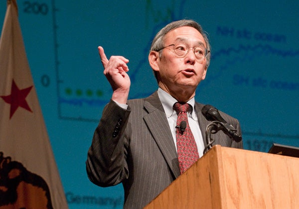 The United States has the opportunity to lead the world in a clean-energy industrial revolution, Steven Chu told the Stanford audience.