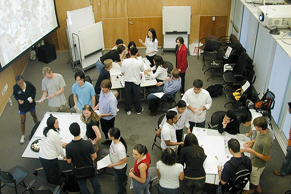 Students take part in an interactive innovation exercise during Stanford Entrepreneurship Week.