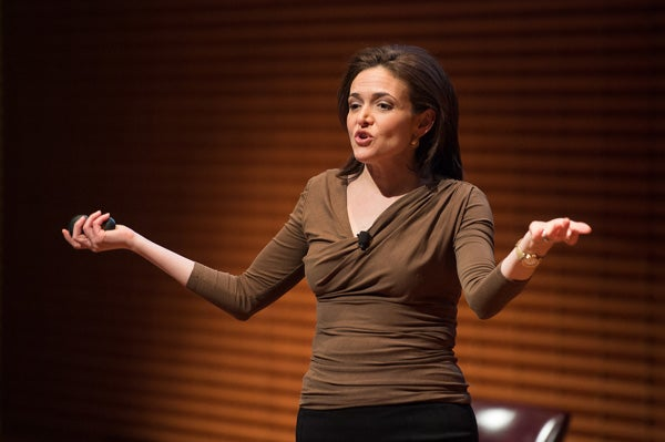 At Stanford lecture, Sandberg urges women to seek leadership roles