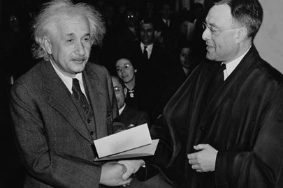 Albert Einstein receives certificate of U.S. citizenship / Al Aumuller/Library of Congress
