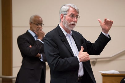 Registrar Tom Black speaks at the Faculty Senate about the class schedule./Photo: L.A. Cicero