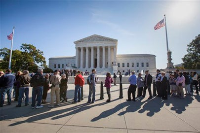 people waiting to enter the Supreme Court / AP Photo/J. Scott Applewhite