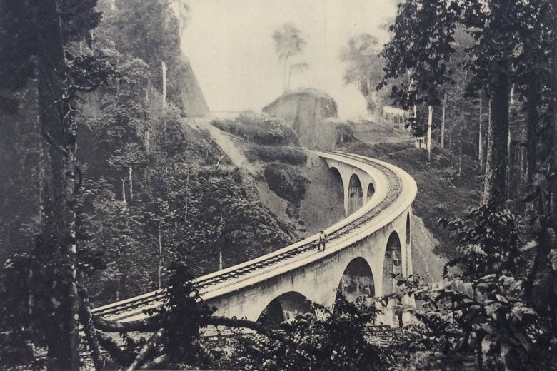 bridge on the Congo-Ocean Railway / Archives nationales d'outre mer