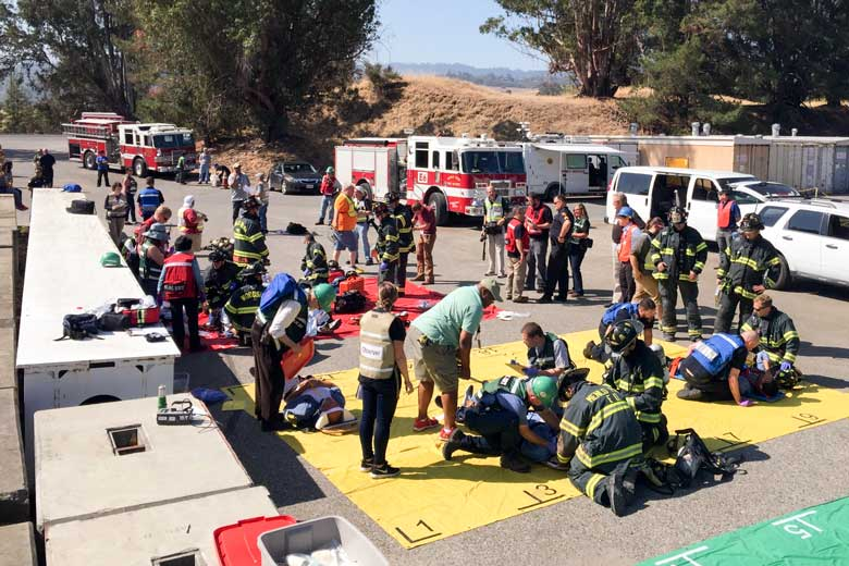Firefighters, SLAC employees and Stanford University employees participate in an emergency drill / Aaron Kehoe