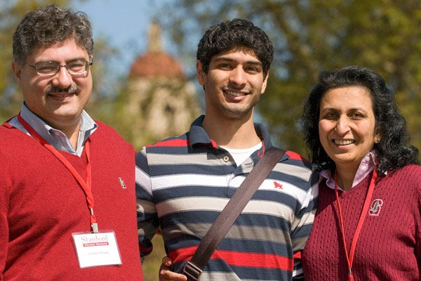 Stanford Sophomore Pranav Nanda with his parents