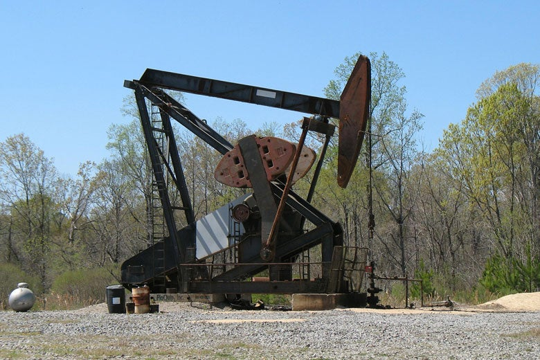 An oil rig in Mississippi / Photo: Natalie Maynor, Creative Commons